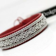 Friendship Embroidery Bracelets Sami bracelet in Red reindeer leather. Embroidery Alphabet, Embroidery Shop, Learn Embroidery, Embroidery Ideas, Embroidery Techniques, Bracelet Patterns, Bracelet Designs, Embroidery Floss Bracelets, Bracelets With Meaning