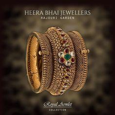 Gold Ring Designs, Gold Bangles Design, Gold Jewellery Design, Gold Jhumka Earrings, Gold Choker Necklace, Labret Jewelry, Bridal Chura, Pakistani Jewelry, Gold Set