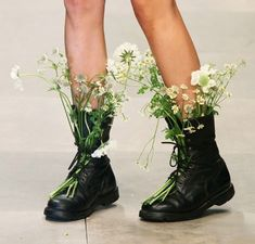 Flower's in boots. So pretty for summer music festivals!
