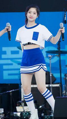 Kpop Girl Groups, Korean Girl Groups, Kpop Girls, Nayeon, Mbti Type, Rapper, Twice Jyp, Twice Korean, Twice Dahyun
