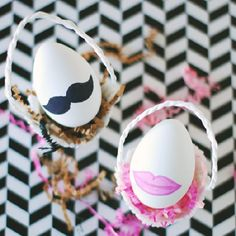 For all those last-minute folk, these DIY His & Hers Easter Eggs are the easiest project to make. Like 60 seconds easy.