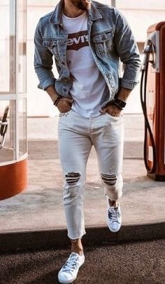 Denim Shirt With Jeans, Denim Shirts, Ripped Jeans, White Jeans, Classic Outfits, Stylish Outfits, Cool Outfits, Winter Outfits, Gq Mens Style