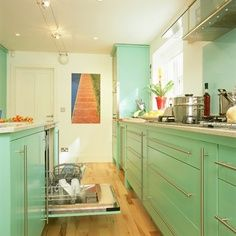 Great retro #kitchen design. Achieve this great countertop look with #VT www.vtindustries.com