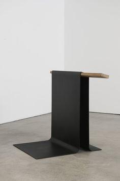 Uri Geller, 2011 - Ferro pintado e madeira - Marcius Galan