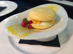 Easter at #Healthouse : macaron de mango y yogurt con menta saludable #foodie #restaurantes #Estepona#dulcessaludables