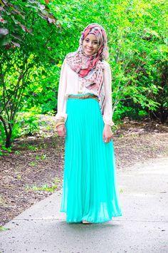 casual, cool look :) Modesty Fashion, Hijab Fashion, Fashion Outfits, Islamic Fashion, Muslim Fashion, Modest Dresses, Modest Outfits, Modest Clothing, Fashion Cover