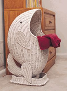 Wicker Whale Basket needs to be brown though. Paper Weaving, Weaving Art, Willow Weaving, Basket Weaving, Newspaper Crafts, Paper Basket, Wicker Furniture, Sisal, Coastal Decor