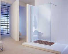 Inloopdouches, douchecabines, nisdeuren, pendeldeuren en badwanden vierkant kwartrond vijfhoek | Megadump Tegels en Sanitair