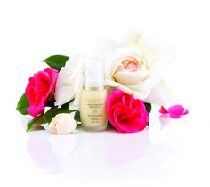 Plumps up, hydrates, refines and retexturises your skin...