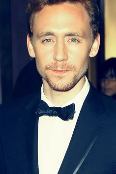 Oh Mr.Hiddles, I just can't get enough of you! <3
