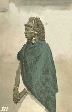 Guinea ca 1905 by Edmund Fortier. Fouta-Djallon, the wife of the chief of the Malinkées.