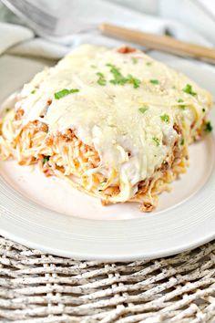 Baked Cream Cheese Spaghetti, Baked Spaghetti, Great Recipes, Favorite Recipes, 9x13 Baking Dish, Recipe Filing, Easy Casserole Recipes, Weeknight Meals, I Love Food