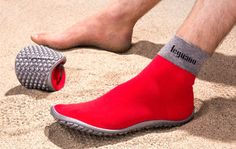 e Leguano barefoot shoe restores the full range of foot movement for wearers while offering a hard-wearing, slip-resistant soles that adapt around your every movement.
