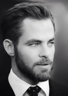 "Chris Pine achieves ""Perfection In Beards"""