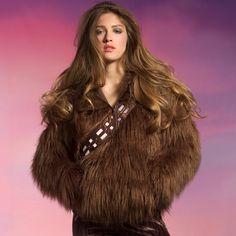 Casaco peludinho imita Chewbacca de Star Wars