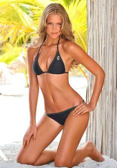 Esti Ginzburg sexy bikini body! Calendars of sexy women at sexy-calendars.com