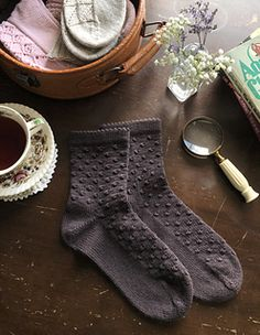 Ravelry: Damson Gin socks pattern by Ambrose Smith Ravelry: Damson Gin socks pattern by Ambrose Smith Knitting Socks, Hand Knitting, Finger Knitting, Knit Socks, Knitting Patterns, Knitting Stitches, Scarf Patterns, Miss Marple, How To Purl Knit