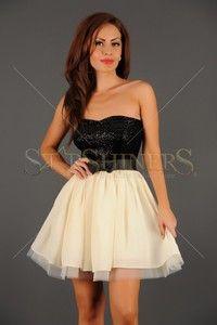 Tinute pentru nunta dama Coral, Formal Dresses, Black, Fashion, Dresses For Formal, Moda, Formal Gowns, Black People, Fashion Styles