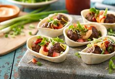 Sriracha Meatball Mini Bowls Recipe from Old El Paso Spicy Appetizers, Appetizer Recipes, Snack Recipes, Yummy Recipes, Yummy Food, Beef Recipes, Mexican Food Recipes, Cooking Recipes, Ethnic Recipes