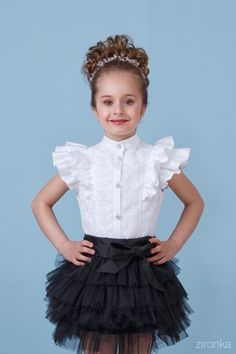 lucu dan imut in 2020 Kids Party Wear Dresses, Kids Dress Wear, Gala Dresses, Dresses Kids Girl, Kids Outfits, Baby Dress Design, Baby Girl Dress Patterns, Frock Design, Little Girl Skirts