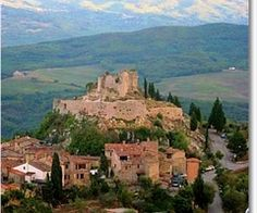 Fabulous great vacation ideas in Tuscany including advice about   places to visit in Siena for adventurous getaways. Check out this great site.