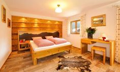 Cosy B&B in #Kleinwalsertal #GaestehausFritz Couch, Bed, Furniture, Fritz, Home Decor, Architecture, House, Pictures, Settee