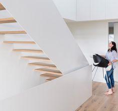 Haus des Jahres 2016: Minimalistisches Satteldachhaus -  Treppenhaus