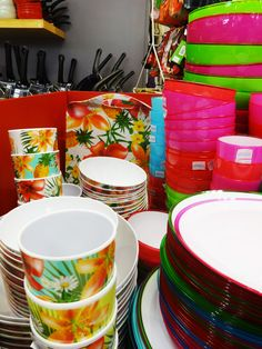 Cups, Bowls, Plates and other accessories at Austins Newton Abbot