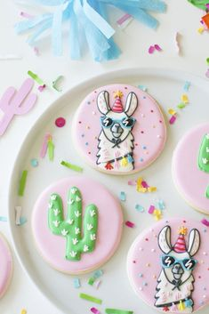How to throw a Colorful Llama Party for your favorite party animals How To Throw a Colorful Llama Party -Decorated Llama Cookies inspired by Target Llama Party Collection Party Animals, Animal Party, Cookies Et Biscuits, Sugar Cookies, Teenager Party, Llama Birthday, Birthday Stuff, 10th Birthday, Fiestas Party
