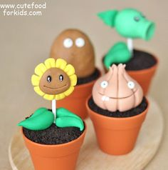 These cupcakes are copied after the ever-so popular Plants vs Zombies game