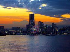 黄昏の横浜 (Twilight YOKOHAMA view from Yokohama Bay Bridge)