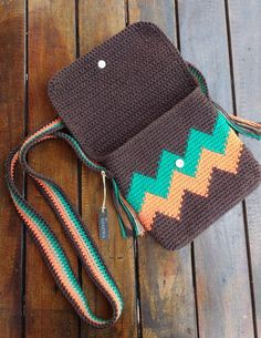 Crochet Clutch Bags, Crochet Backpack, Crochet Purse Patterns, Crochet Pouch, Backpack Pattern, Crochet Handbags, Crochet Purses, Diy Crochet, Crochet Crafts