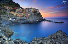 First Light on Manarola, Cinque Terre, Italy. By: Mario Spalla Oh The Places You'll Go, Places To Travel, Places To Visit, Travel Destinations, Photography Sites, Amazing Photography, Travel And Leisure, Dream Vacations, Vacation Spots