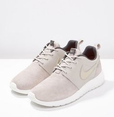 Nike Sportswear ROSHE ONE PREMIUM Baskets basses string/metallic gold green/dark storm/sail, Baskets Femme Zalando