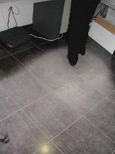 Krasvorming en vroegtijdige slijtage van keramische vloertegels / WTCB