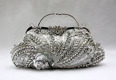 Vintage Bags Women Fashion Jewelry and Accessories - trendNchic - Women Fashion Accessories Handbags Multi Color Party Bag Boho Vintage Flower Evening Bag wedding Clutch Bags for bride Hot Styling Clutches Vintage Purses, Vintage Bags, Vintage Handbags, Vintage Shoes, Discount Handbags, Lv Handbags, Handbags Michael Kors, Designer Handbags, Bridal Clutch Bag