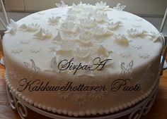 Kakkuvelhottaren Puoti Vanilla Cake, Desserts, Food, Tailgate Desserts, Deserts, Meals, Dessert, Yemek, Eten