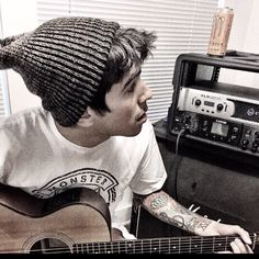 Andy Leo- Crown The Empire