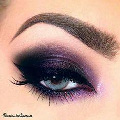 Purple smokey eye Black Eye Makeup, Purple Eye Makeup, Purple Eyeshadow, Eyeshadow Looks, Makeup For Brown Eyes, Smokey Eye Makeup, Eye Makeup Tips, Skin Makeup, Makeup Goals