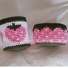By @_me_gera_handmade @_me_gera_handmade @_me_gera_handmade ⬅️follow #haken #handmadebasket #penyesepet #penyeip #penyeipsepet #crochetbasket #вязание#вязаниекрючком #かぎ針編み#hekle#knittinginspiration#penyeippaspas #örgüsepet#crochetinspiration#crochetando#tricot#szydelko#ganchillo #hoookedzpagetti #trapillo#tejer#tshirtyarns #tshirtyarn#crochetbag #lindaa#crochetpillow#ganchilloxxl#fiodemalha#lindaa#zpagetti#monopop