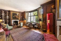 Note the lift in the far right corner. Billionaire Michael Bloomberg just won a bidding war for this historic London mansion