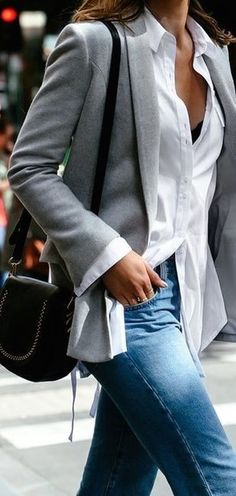 incredible office outfit idea / grey blazer + bag + white shirt + jeans