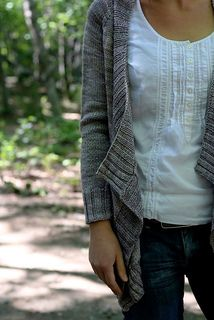 "Effortless Cardigan by Hannah Fettig (maybe my next sweater when I've finished ""beulah""?)"