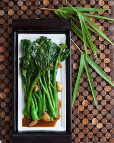 Chinese Broccoli (Gai Lan) with Oyster Sauce ~ https://steamykitchen.com