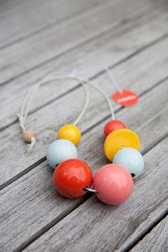 """Halskette """"Bonbons VI"""" · Handbemalte Holzperlen von Liebelu auf DaWanda.com"""