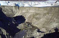 Los científicos investigan un curioso fenómeno que ocurre en algunos lagos chilenos patagónicos. El lago Cachet 2, ubicado en la conflictiva Región de Aysén, a casi 2.000 kilómetros al sur de Santiago, se ha vaciado misteriosamente por segunda vez. Jorge Barreno. Stgo.Chile.2012