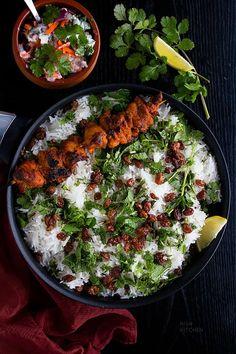 A feast for your senses, this chicken tikka biryani combines two Indian classics Indian Chicken Recipes, North Indian Recipes, Easy Chicken Recipes, Indian Food Recipes, Rice Recipes, Ethnic Recipes, Vegetable Biryani Recipe, Vegetable Masala, Dum Biryani
