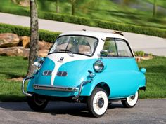 Toot toot, beep beep…..I want this car! (1957 BMW Isetta) #gimmie