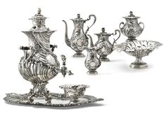 An impressive silver service for tea and coffee, Andrei Bragin, St Petersburg, 1899-1908 - Sotheby's