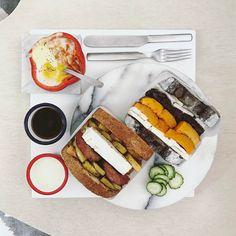 4 個讚,1 則留言 - Instagram 上的 s_s(@s_s_o_o_s_s_o_o):「 . goooood morning rainy Thursday :-目))) . #goodmorning #morning #breakfast #yummy #goodfood… 」